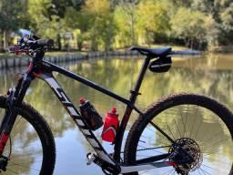 Imperdível* Bicicleta Scott Scale 930 Carbono SRAM Suspensão Fox