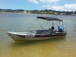 Barco de alumínio leve e forte