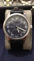 Relógio Dual time.