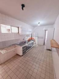 Apartamento com 03 quartos a Beira Mar
