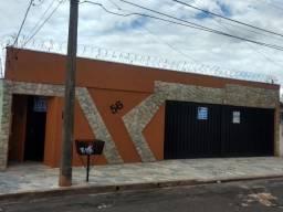 Casa com 3 dormitórios para alugar, 188 m² por R$ 2.000,00/mês - Parque São Geraldo - Uber