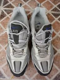 """Tênis Nike Air 12"""", 43-44, novo"""
