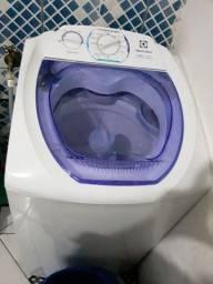 Maquina de lavar e beliche de madeira s/colchão.