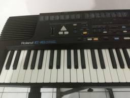 Teclado Roland E16