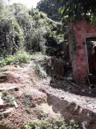 Petrópolis Vendo terreno com uma casa em contrução