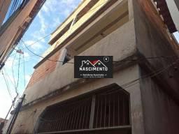 CAN (01) Vendo casa com três pavimentos com terraço em Maria Ortiz
