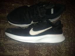 Vendo tênis da Nike original número 38