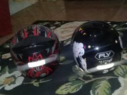 2 capacetes primeiro 150 o segundo 60