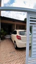 Vende-se casa - Rua Rafael de Aguiar