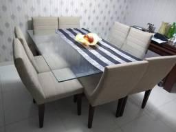 Mesa com tapo de Vidro com 8 cadeiras