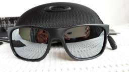 c64711567dd9b Óculos Oakley Crossrange XL Preto Cinza Polarizado - Novo e Importado