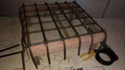 Radier e colunas (brocas/estacas) prontas para fundação de alvenaria