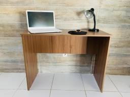 Escrivaninhas para estudo ou trabalho