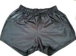 Shorts couro tamanho M