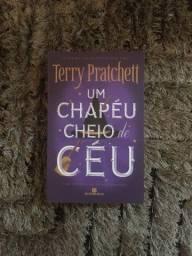 Um chapéu cheio de céu-Terry Pratchett