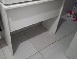 Vendo armário tipo paneleiro