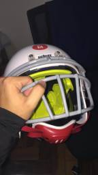 Equipamentos de futebol americano(Helmet e Shoulderpad) usado 3 vezes