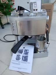 Maquina de café expresso Delonghi
