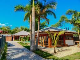 Conheça essa excelente residência, um verdadeiro paraíso abençoado pela natureza