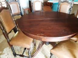 Mesa com 6 cadeiras antiguidade
