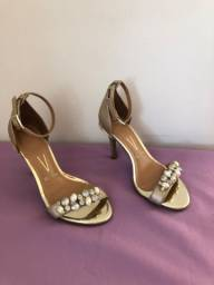 Sandália de salto vizzano
