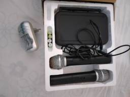Microfone sem fio Novinho na caixa com carregador e tudo
