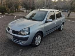 Renault Clio sedan 1.0 Privilege - Apenas R$ 12.900,