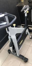 Bike spinning technogym