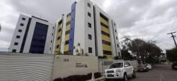 AP0189. Apartamento no Residencial Maria Luiza, com armários na cozinha