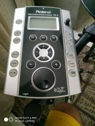 Bateria Roland TD9 KX com pedal Duplo e Simples.