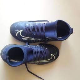 Chuteirinha Nike mercurial 33 novinha