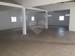 Título do anúncio: Galpão 225 m² de área. 10 vagas de Garagens. 2 escritórios. 2 banheiros no Alto do Coqueir