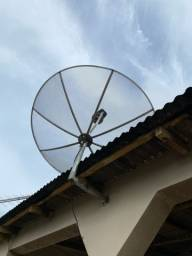 Antena parabólica com 3 receptores