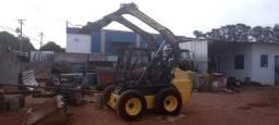 Mini Carregadeira New Holland L220 ano 2012