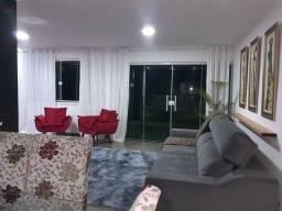 Vendo ampla casa na Taquara.