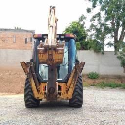 Retro escavadeira 580M 4x4 cabinada
