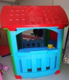 Vende-se casinha infantil