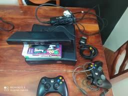 Xbox 360 sem HD 3 jogos controle pegando com mal contato