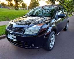 Ford Fiesta Sedam Completo