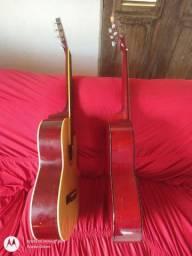 Troco esses dois violões. Leia  a descrição