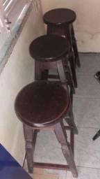 3 BANQUETAS DE MADEIRA MACIÇA MASARANDUBA