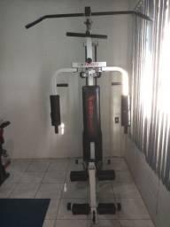 Estação de academia musculação