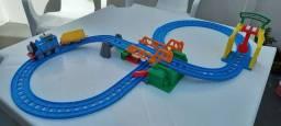 Ferrovia Thomas & Friends Loop Duplo