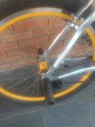 Vendo bike, ou troco por algo do meu interesse R$900