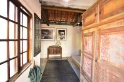 Studio e casa a venda, 200 metros da estação Borba gato