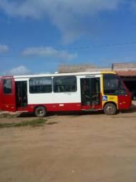 Vendo esse micro ônibus ano 2007 quitado todo em dias