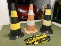 Kit 3 cones de sinalização (75cm) + 10m corrente plástico