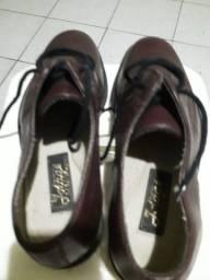 Sapato em couro Legítimo, marca Jotage , número 40 sem uso, novo