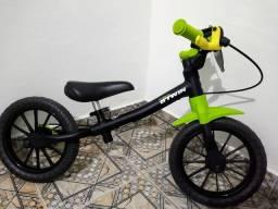 Bicicleta equilíbrio BTWIN, linda.
