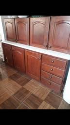 Vendo:Armário de madeira.